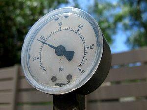 pool-pressure-gauge